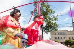 12-ое июня 2018, РОССИЯ, ВОРОНЕЖ: Парад уличных театров Международный Platonic фестиваль Стоковое Изображение