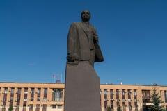 11-ое июня 2018 Россия Город Domodedovo день Памятник Ленина в квадрате главного города стоковое изображение rf