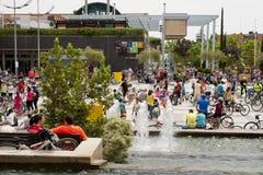 28-ОЕ МАЯ 2017, АЛЬКОБЕНДАС, ИСПАНИЯ: традиционный парад велосипеда Стоковая Фотография