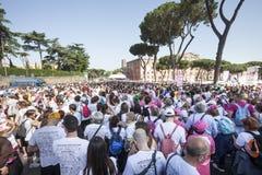 17-ое мая 2015 Гонка для лечения против рака молочной железы rome Италия люди толпы Стоковые Изображения