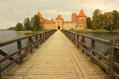 14-ое начатое trakai Литвы острова конструкции столетия замока каменное было Стоковые Фотографии RF