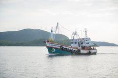 14-ое ноября 2014 - ветрила корабля рыбной ловли в Gulf of Thailand Pi Стоковая Фотография RF