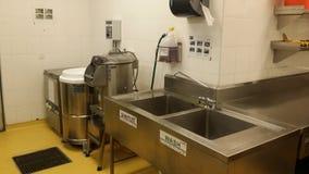 11-ое ноября 2016, Куала-Лумпур Современное оборудование кухни гостиницы Стоковые Фотографии RF