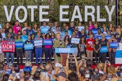 12-ое октября 2016, демократичный кандидат в президенты Хиллари Клинтон агитирует в центре для искусств, Лас-Вегас Смита, Неваде Стоковое фото RF