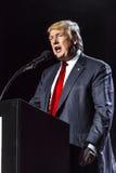15-ое октября 2016, EDISON, NJ - Дональд Трамп говорит на ралли Edison Нью-Джерси индусском Индийск-американском для 'гуманности  Стоковая Фотография RF