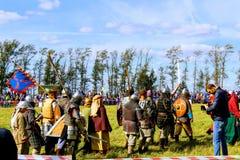 16-ое сентября 2017, Тула, Россия - международное воинское и историческое ` поля Kulikovo ` фестиваля: телезрители и участники Стоковые Фотографии RF