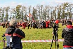 16-ое сентября 2017, Тула, Россия - международное воинское и историческое ` поля Kulikovo ` фестиваля: телезрители и участники Стоковое Изображение