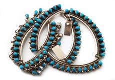 Ожерелье голубого камня в белой предпосылке Стоковая Фотография RF