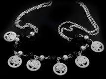 Ожерелье драгоценности Привесное дерево жизни Нержавеющая сталь стоковое изображение rf