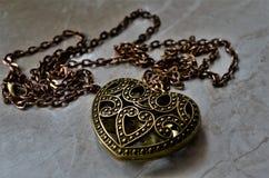 Ожерелье сердца как символ для влюбленности стоковая фотография