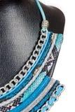 Ожерелье ювелирных изделий винтажной моды античное красочное на черном manne Стоковая Фотография RF