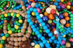 Ожерелья сделали ‹â€ ‹â€ деревянных пестротканых шариков Стоковая Фотография
