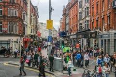 Оживленные улицы Дублина, Ирландии стоковое фото rf