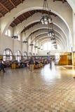 Ожидание людей для поездов внутрь Стоковое Фото