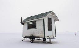 лож Россия transbaikalia льда рыболовства рыб как раз поглотили зиму Стоковое Фото