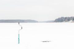лож льда рыболовства как раз поглотили zander зимы Стоковые Фотографии RF