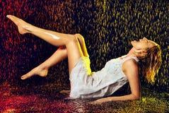 дождь девушки вниз Стоковое фото RF
