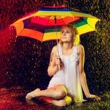 дождь девушки вниз Стоковые Фотографии RF