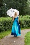 дождь девушки вниз Стоковые Изображения