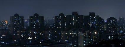 дождь ночи города серповидный Стоковое фото RF