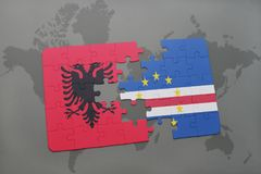 озадачьте с национальным флагом Албании и Кабо-Верде на карте мира Стоковое Фото