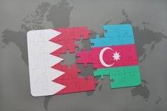 озадачьте с национальным флагом Бахрейна и Азербайджана на предпосылке карты мира Стоковые Изображения