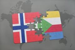 озадачьте с национальным флагом Норвегии и Коморских Островов на карте мира Стоковые Изображения RF