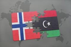озадачьте с национальным флагом Норвегии и Ливии на карте мира Стоковые Изображения