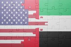 Озадачьте с национальным флагом Соединенных Штатов Америки и Объединенных эмиратов стоковое фото rf