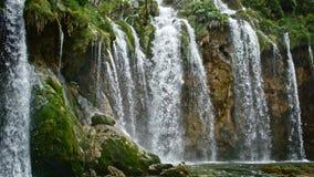 Озера с водопадом в Хорватии Положение: Plitvice, jezera Plitvicka национального парка акции видеоматериалы