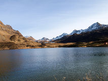 Озера Ritom, Cadagno, Том в осени Стоковая Фотография