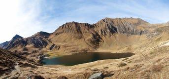 Озера Ritom, Cadagno, Том в осени Стоковые Изображения RF