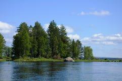 озеро валунов огромное карельское Стоковое Фото