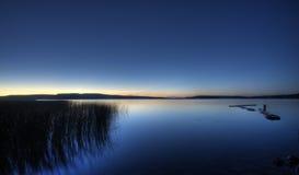 озеро вечера северное Стоковые Изображения
