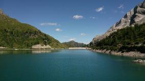 Озеро в горах в северной Италии стоковое изображение rf