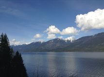 Озеро в горах Стоковая Фотография