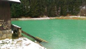 Озеро в горах Стоковое Изображение