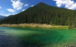 Озеро в канадских скалистых горах - национальный парк Kootenay стоковые изображения