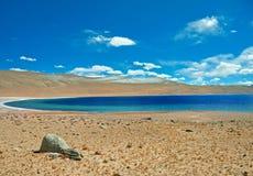 Озеро в пустыне Стоковое Изображение