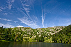 Озеро в сельской местности Стоковое Фото