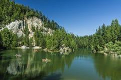 Озеро в утесах Adrspach-Teplice Стоковое Изображение