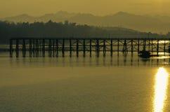 Озеро в утре Солнце Стоковое фото RF