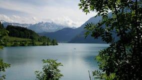 Озеро в Lungern, Швейцарии видеоматериал