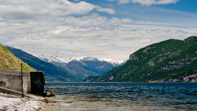 Озеро, гора, небо Стоковые Фотографии RF