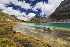 Озеро гористая местность Стоковые Фото