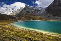 Озеро гористая местность Стоковые Изображения