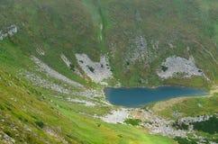 озеро гористой местности Стоковая Фотография