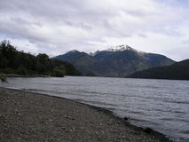 Озеро & горы Стоковая Фотография