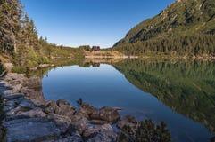 Озеро горы Morskie Oko красивое в высоком Tatras стоковые фотографии rf