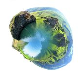 Озеро гор в форме планеты стоковая фотография rf